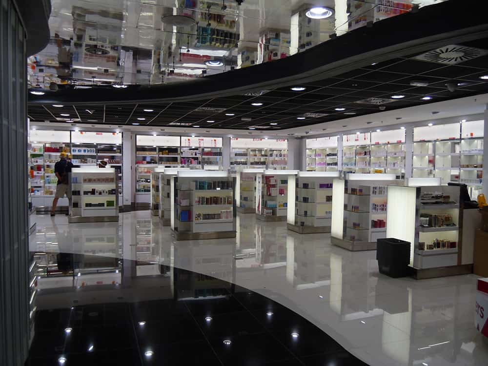 Project Management JAMAICA airport shop